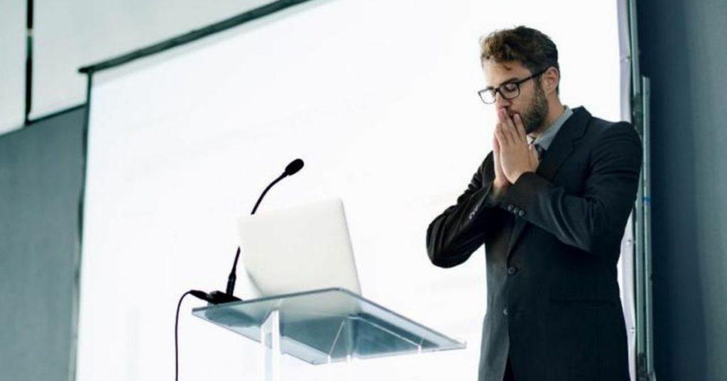Superar o medo de falar em público