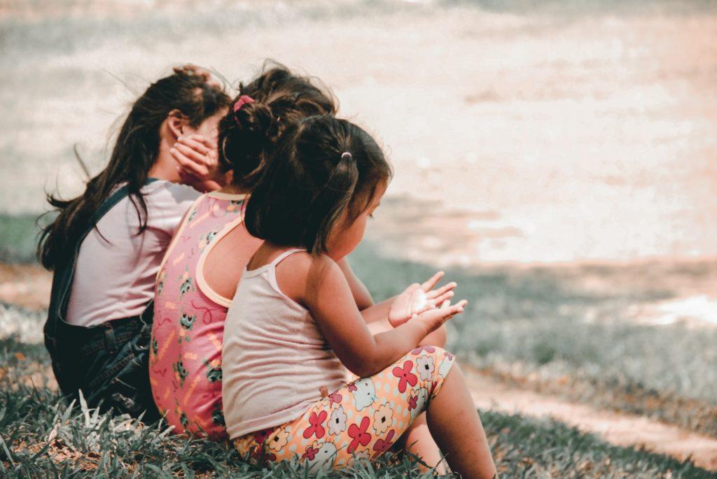 A técnica Montessori para resolução de conflitos de crianças